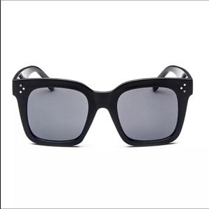 Accessories - Blk glossy luxe sunnies